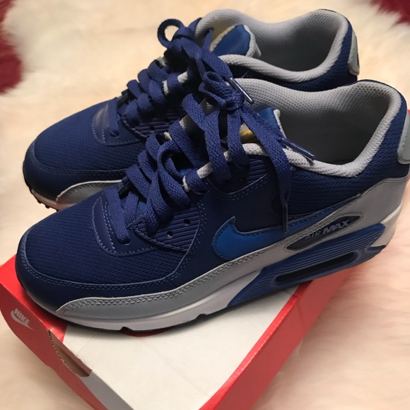 NIKE AIR MAX 90s - YOUTH *5.5* WOMEN'S *7.5*